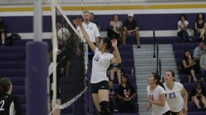 Volleyball: Girls varsity lose 1-3 to Homestead in overtime