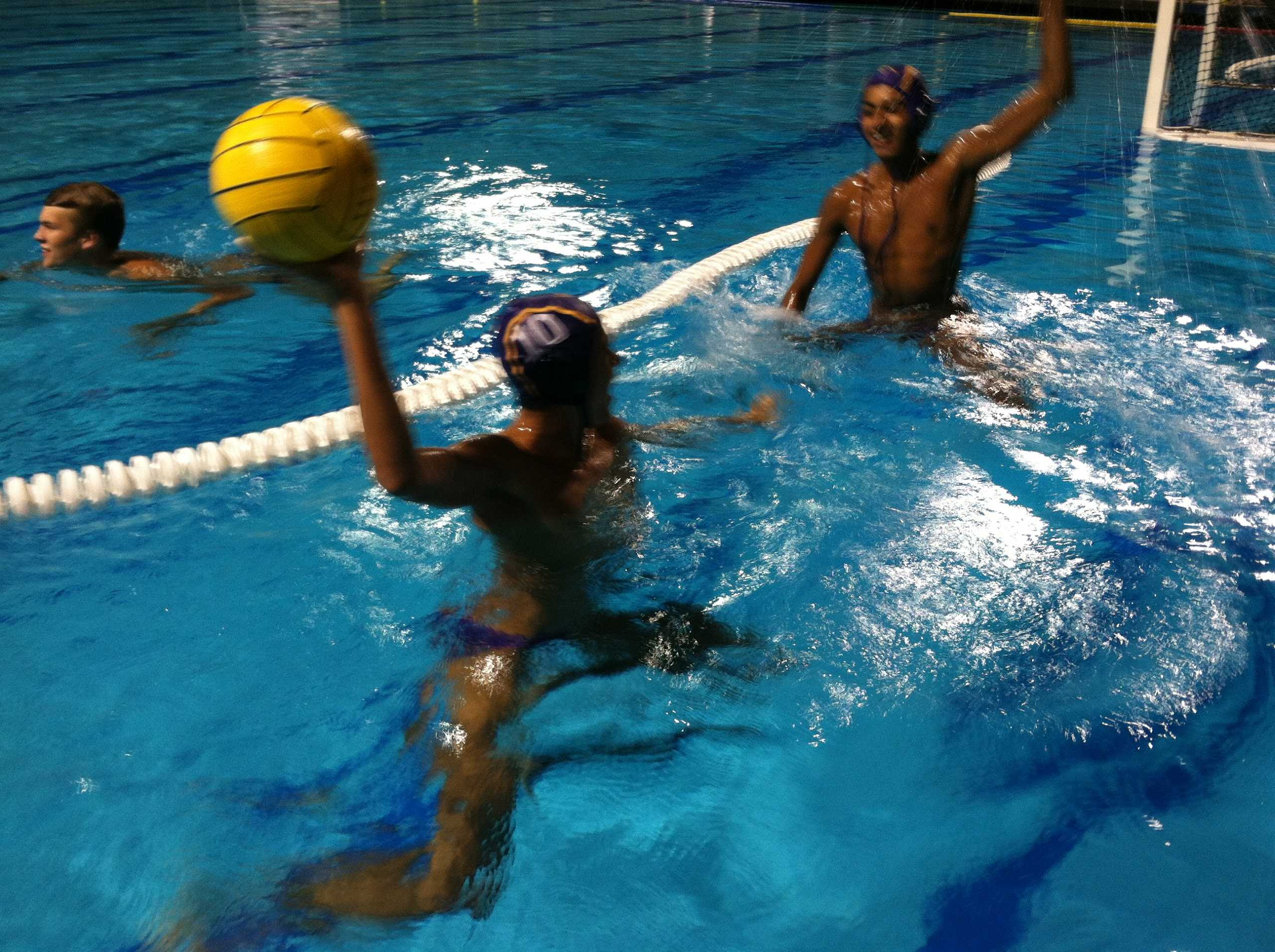 BOYS WATER POLO: MATADORS LOSE CLOSE GAME AGAINST MOUNTAIN VIEW HIGH SCHOOL IN CLOSING MINUTES