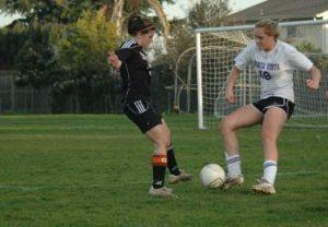 Girls soccer ties 0-0 against Los Gatos High School
