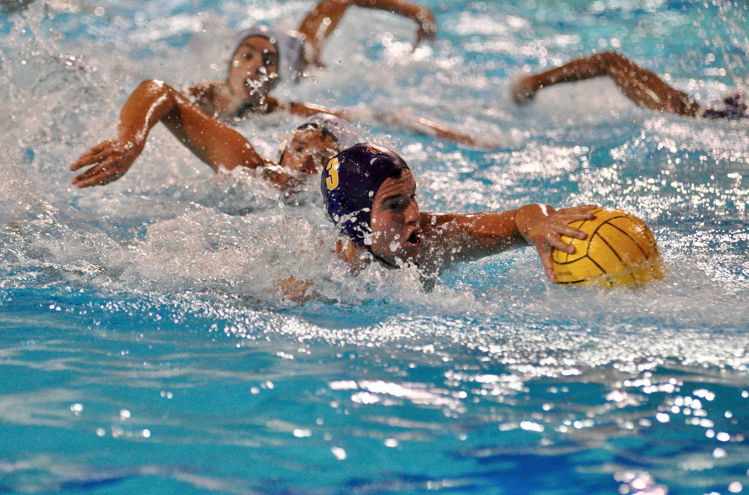 Boys water polo: 14- goal sensation