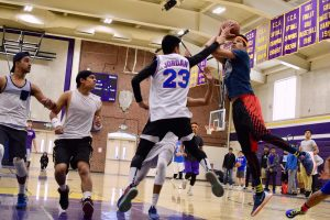 MVHS students take on the 2017 March Madness intramural basketball tournament