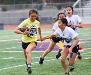 Powderpuff Day 3: Sophomores beat juniors in a one-sided game