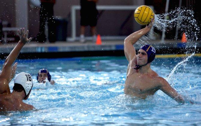 Water Polo: Matadors fall 9-10 to Palo Alto in overtime