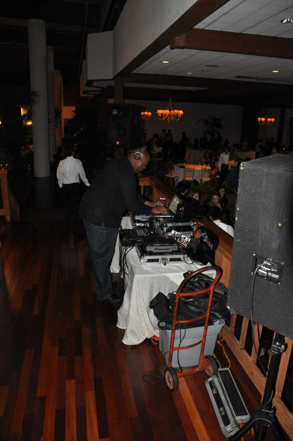 The+DJ+plays+music+for+students+at+Winter+Ball+2010.+Photo+by+Jackie+Barr.