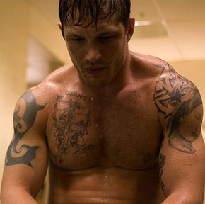 Tommy Conlon (Tom Hardy) prepares for his next fight.