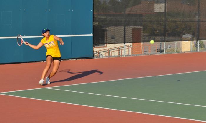 Girls+Tennis%3A+Lynbrook+can%E2%80%99t+stop+MVHS%E2%80%99+undefeated+season