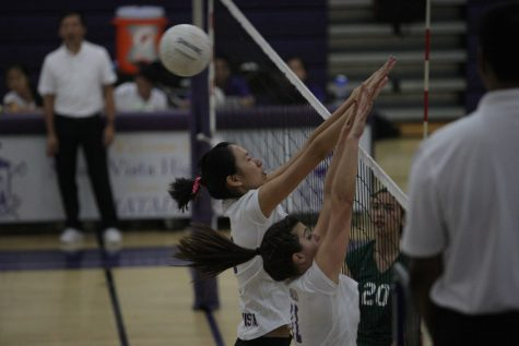 Volleyball: Varsity girls lose 0-3 against last year's state champs Palo Alto