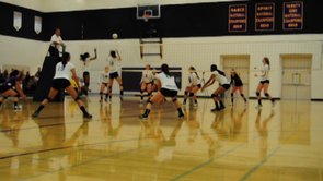 GIRLS VOLLEYBALL: Lack of communication results in 0-3 loss