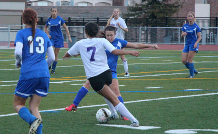 Girls soccer: Last minute goal results in 1-0 victory