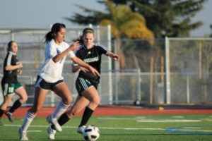 Girls soccer: Lady Mats end three-game scoreless streak