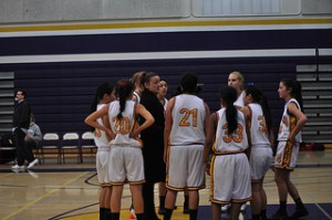 The Matadors gather around head coach Sara Borelli to figure out a new game plan. The team made it to CCS playoffs and ended with an overall score of 13-12-0. Photo by Catherine Lockwood.