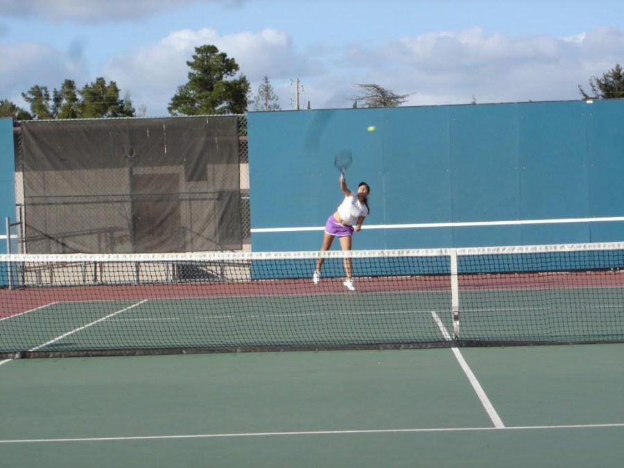 Girls Tennis: Team defeated by Menlo High School in non-league match