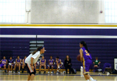 Alumni return to the basketball court for annual alumni game