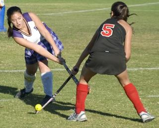 Varsity girls field hockey loses to Willow Glen