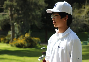 Boys golf picks up fifth victory at Deep Cliff