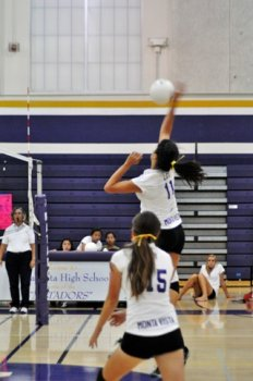 Varsity girls volleyball toughs it out against Mountain View
