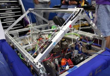 CalGames 2010 kick off school year for Robotics team