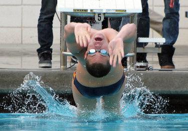 Strong start for swim team
