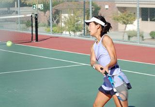 Varsity girls tennis wins a fierce battle against Saratoga