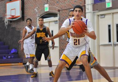 Varsity boys basketball defeats Wilcox 48-42
