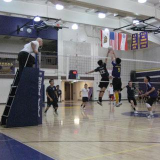 Varsity boys volleyball defeats Lynbrook 3-2