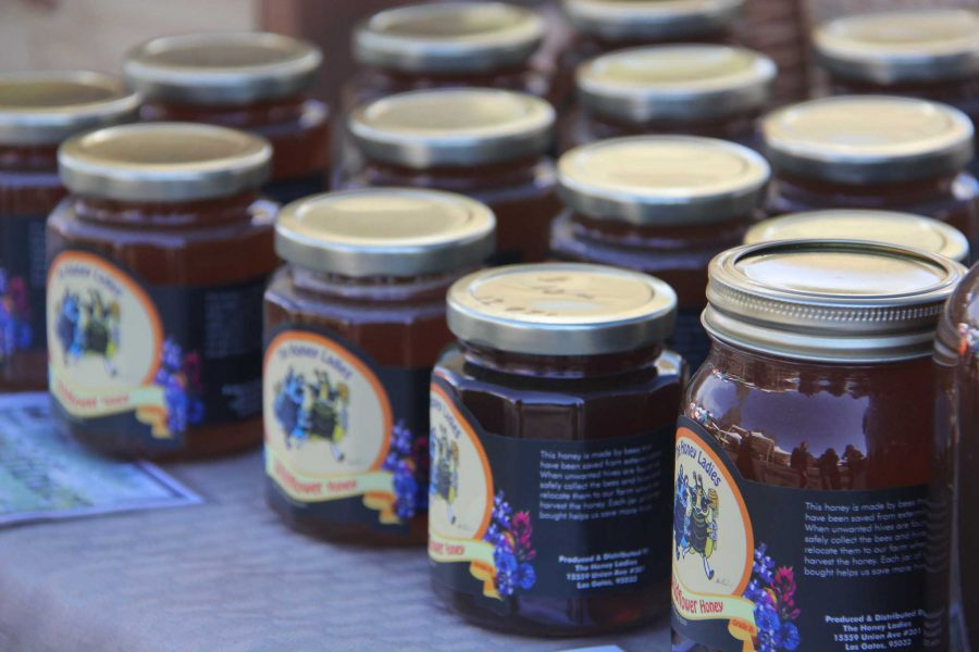 Cupertino's farmers' market: Glowing toothpicks and yellow jackets