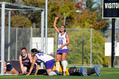 Field hockey: Team falls short at 3-2 against Saratoga High School despite late second half comeback