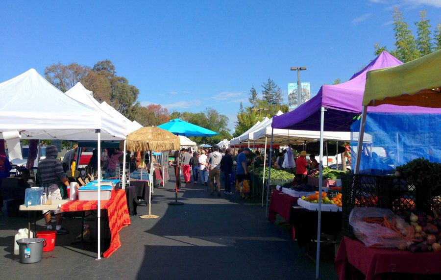 Cupertino%E2%80%99s+farmers%E2%80%99+market%3A+Watermelon+samples+and+the+art+of+bargaining