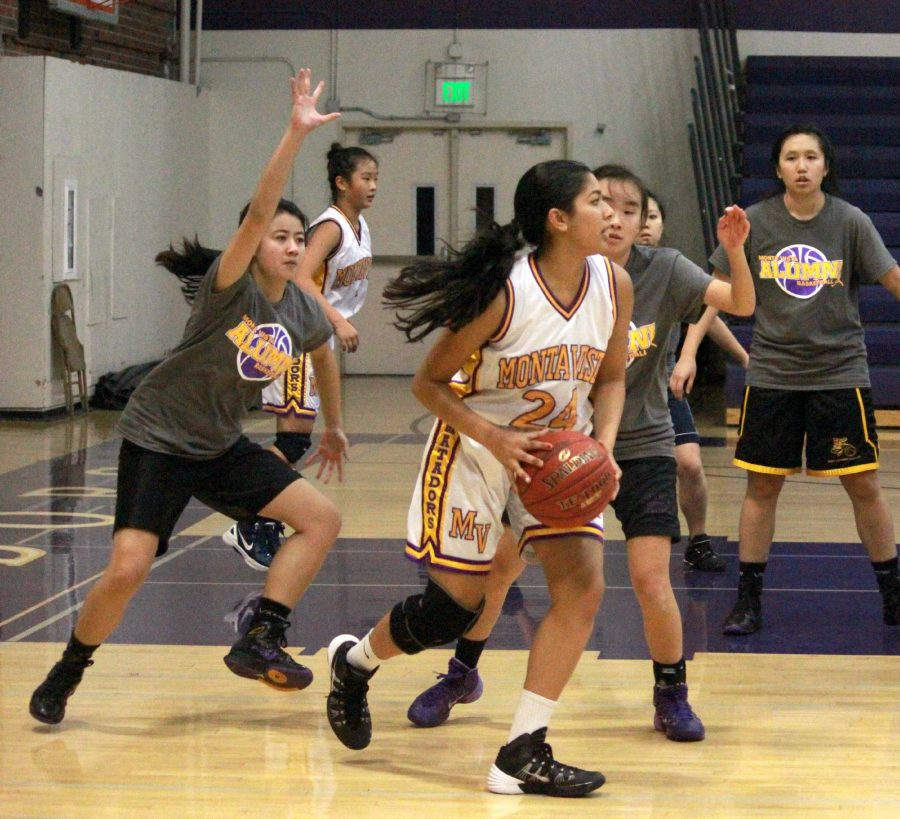 Girls basketball: Team starts off shaky but looks to quickly get on track