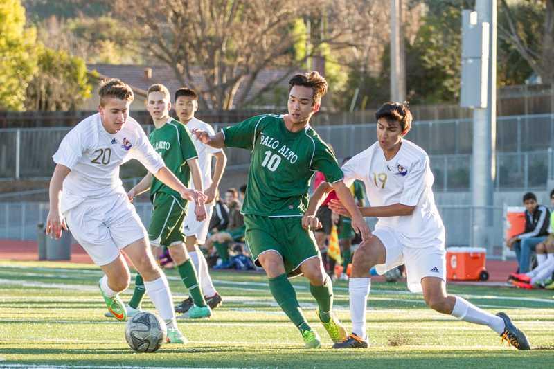 Boys soccer: Team falls against Palo Alto High School in three-game scoring drought