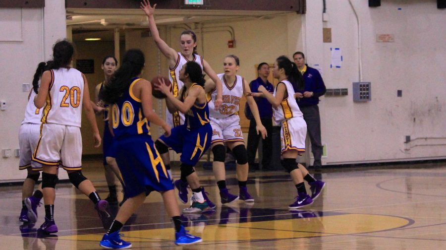 Photo gallery: Girls basketball trails behind 32-55