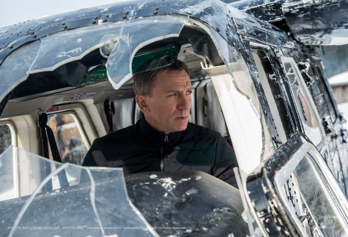 Daniel Craig flies an aircraft in an intense action sequence to save Madeleine Swann (Léa Seydoux). Eye-capturing action scenes are one reason to watch the new James Bond release.  Source: The Official James Bond 007 Website