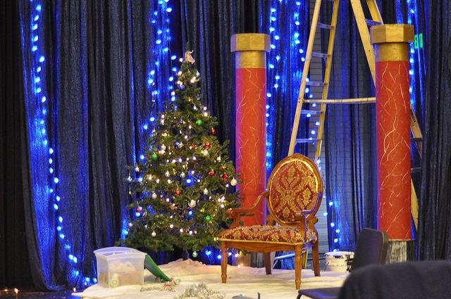 Drama+department+continues+their+annual+tradition+of+Santa%E2%80%99s+Workshop