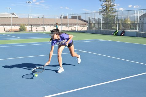 Girls tennis: Team loses 3-4 to Homestead HS after dispute over uniforms