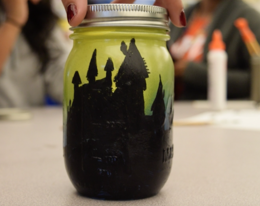 How To: Halloween inspired mason jars