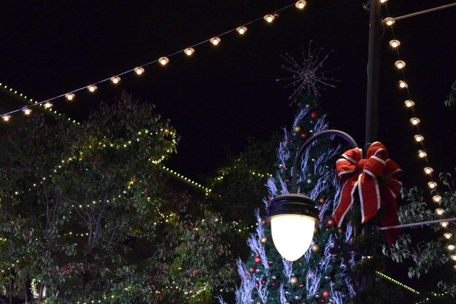 Photo essay: Santana Row tree lighting ceremony
