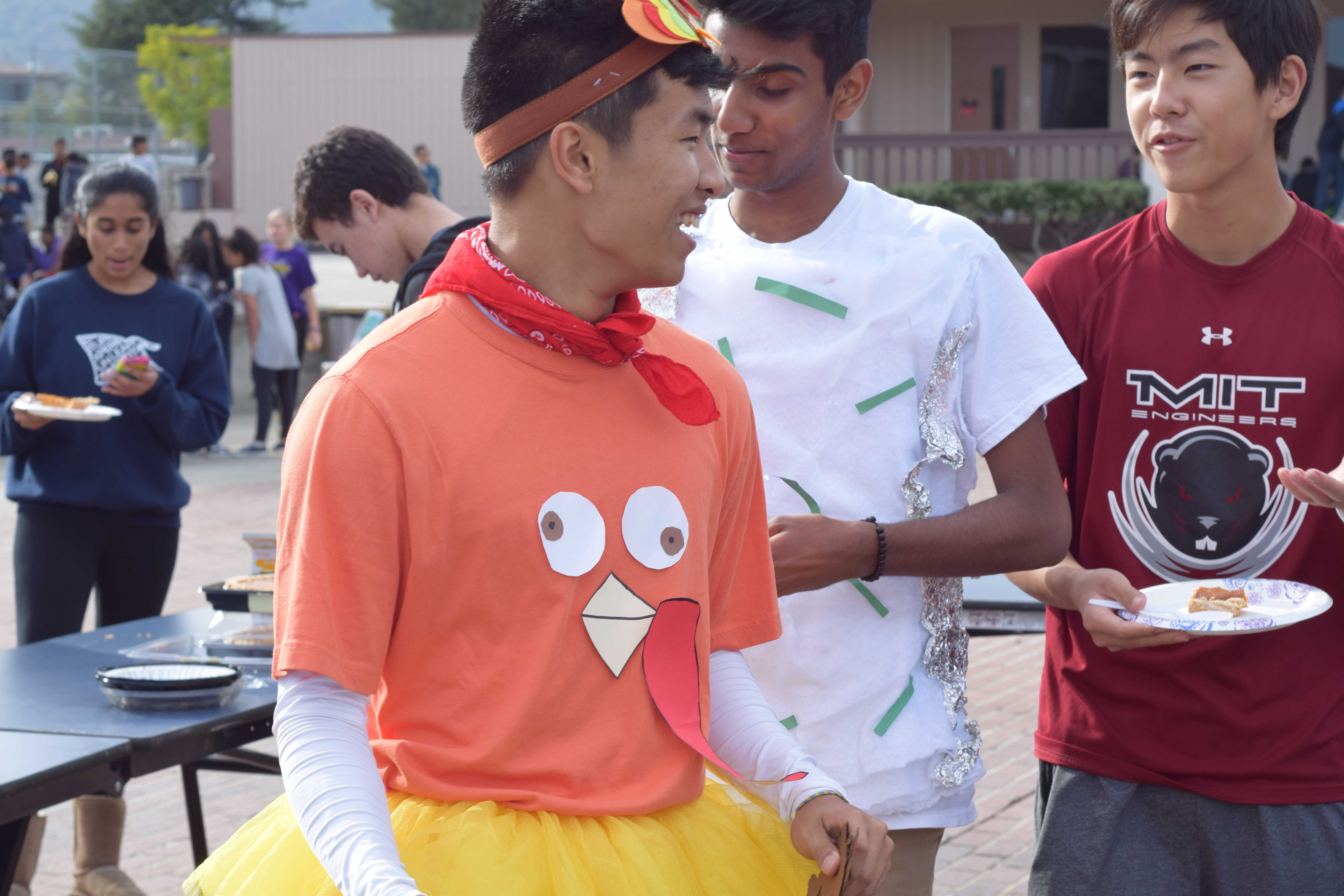 MVHS students prepare to run for the Gobble Games