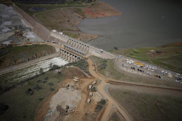 Problems+for+Oroville+Dam