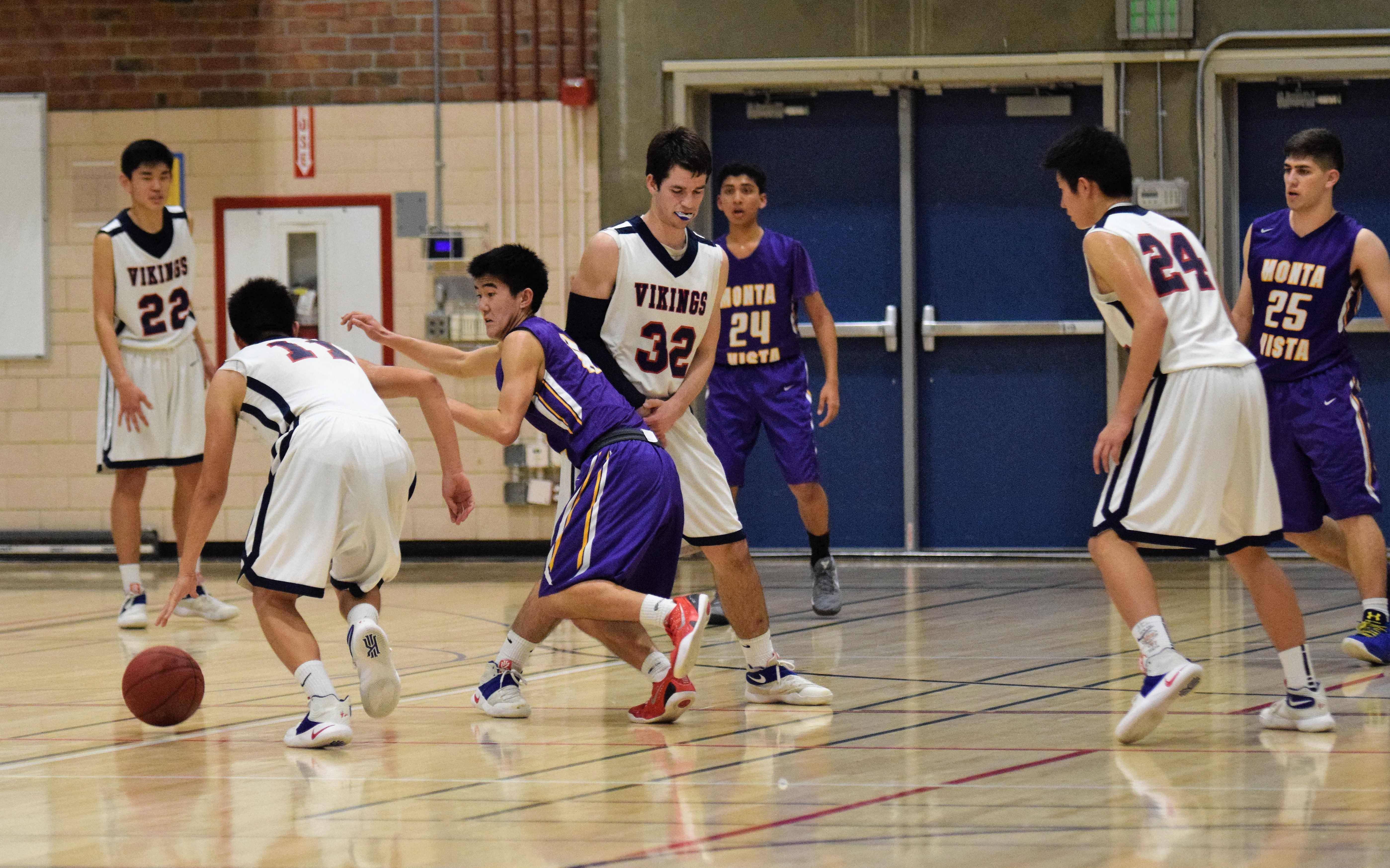Boys basketball: Team falls to Lynbrook HS 52-54 in overtime battle
