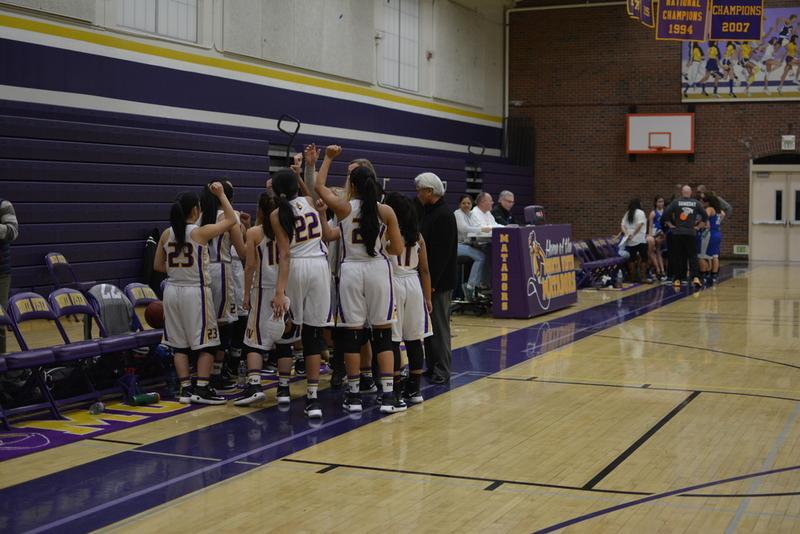 Girls basketball: Narrow victory over Los Altos HS