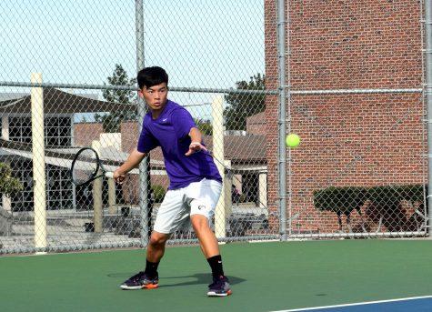 Boys tennis: Team edges out Homestead HS 4-3