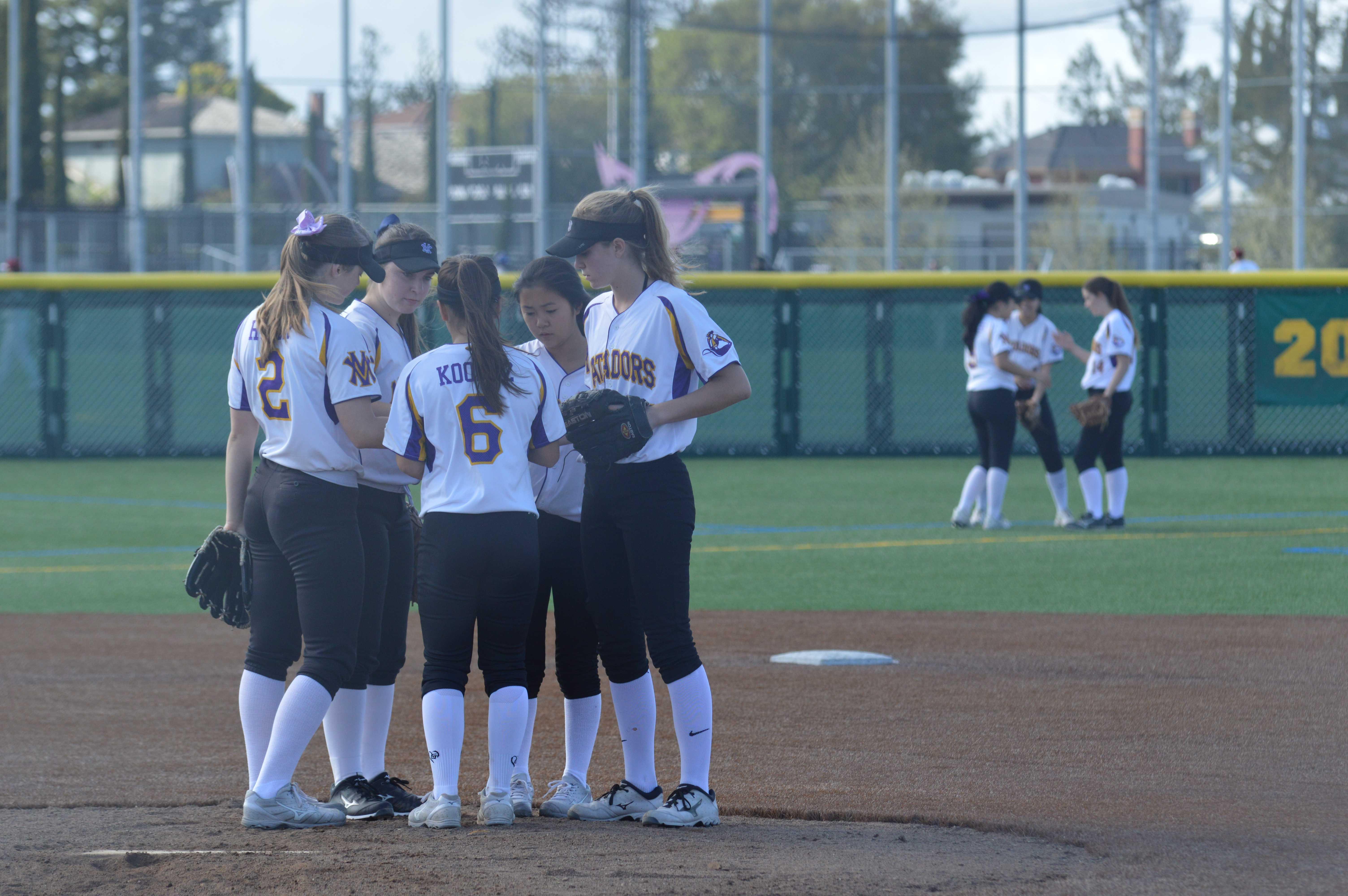 Softball: Team falls against Santa Clara HS