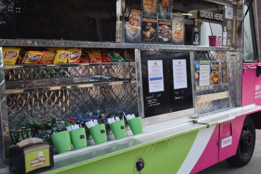 "Glimpses of the food trucks at MVHS ""Off the Grid"""