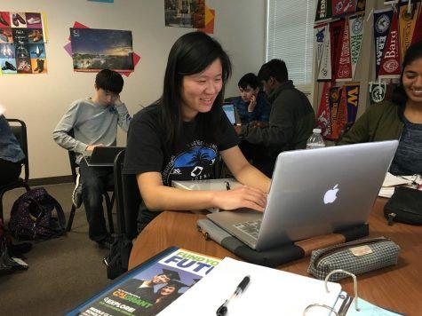College Planning Workshop prepares juniors for college application process