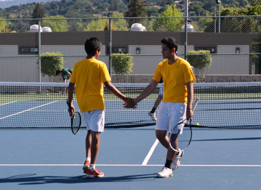 Photo Gallery: Boys Tennis blows away competition in last game of the season