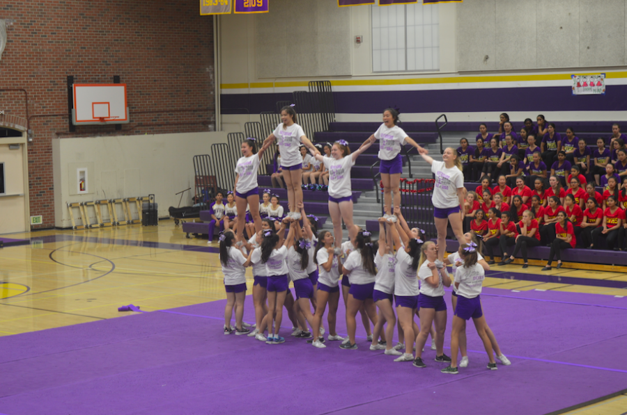 Caption%3A+The+MVHS+cheer+team+performs+during+the+2017+Spring+Show%2C+pictured+in+the+shape+of+an+%E2%80%98M.%E2%80%99+Photo+by+Becca+Zheng