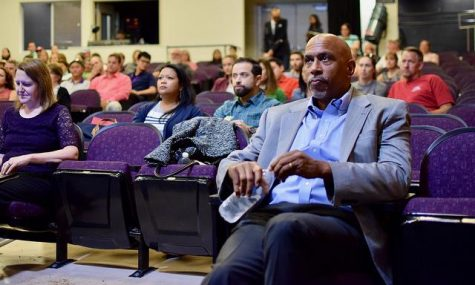 Professor Pedro Noguera listens to superintendent Polly Bove introduce him to MVHS faculty. Noguera came to MVHS by request of Polly Bove to speak on equity in the classroom. Photo by Om Khandekar.