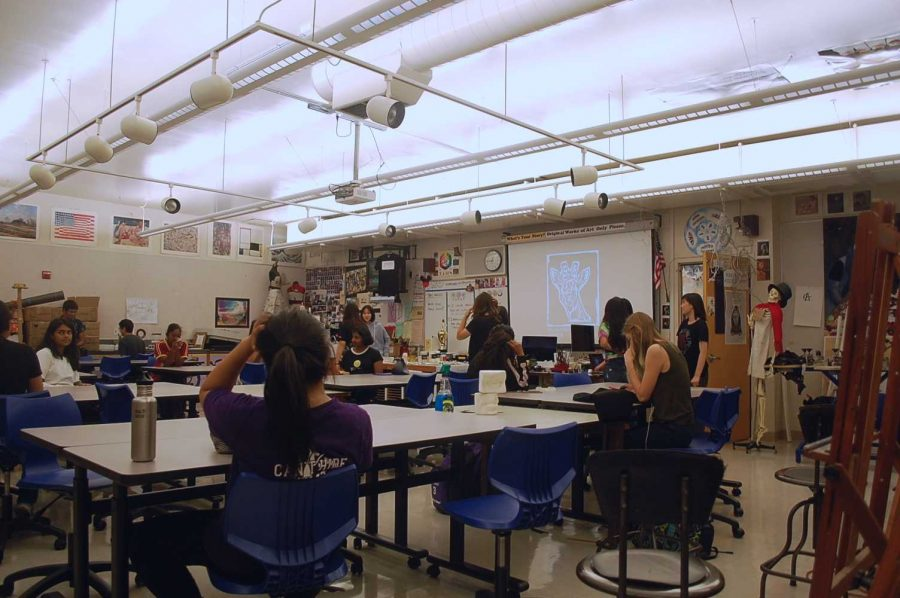 A vested interest: Art Club's first meeting of the year