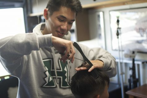 The Chop Shop : Senior Noah Soo-Hoo maintains his own barbershop business