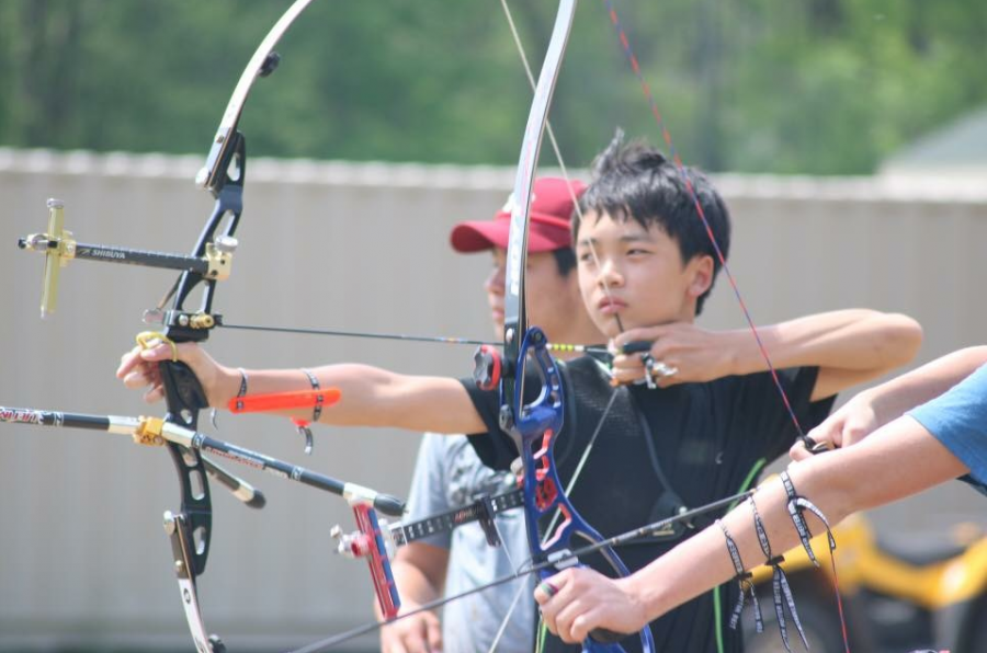 Hear it from a pro: Sophomore Zachary Chow's path to competitive archery